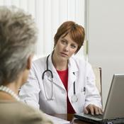 Patient et dentiste en entretien