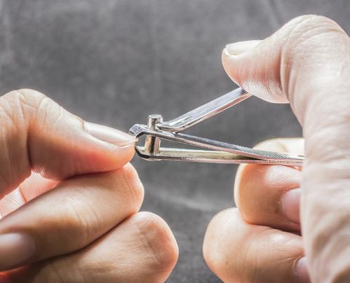 Coupe ongle toutes les infos sur l 39 utilisation du coupe - Comment bien se couper les ongles des mains ...