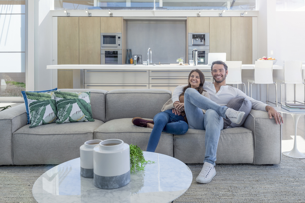 premier appartement excellent dcoration intrieure. Black Bedroom Furniture Sets. Home Design Ideas