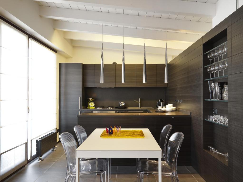 Am nager une cuisine sous les toits sans perdre de place - Amenager une cuisine en l ...