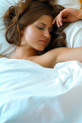 Femme lit sommeil