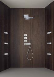 paroi de douche en bois
