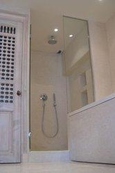 Parois de douche en tadelakt prix ooreka - Decoration douche marocain ...