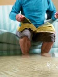 On distingue deux types de drainage qui permettent de lutter contre l'humidité due aux remontées capillaires, à la pression hydrostatique ou aux infiltrations d'eau.