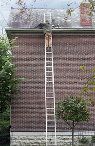 Chelle de toit prix et conseils pour choisir une chelle de toit - Fabriquer une echelle de toit ...