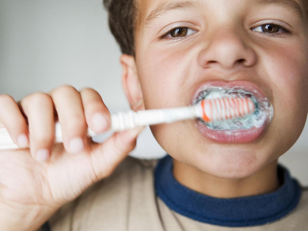 Quand commencer à brosser les dents de son enfant ?