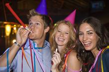 Jeunes gens font la fête