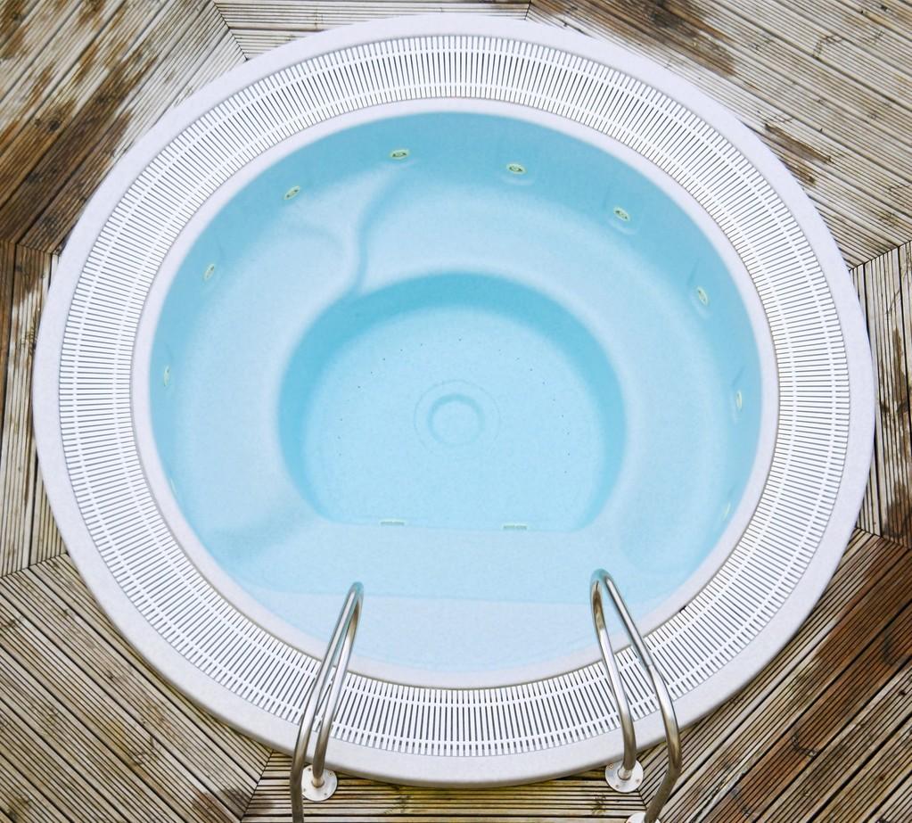 Conseils d'entretien du spa pour une eau claire toute l'année