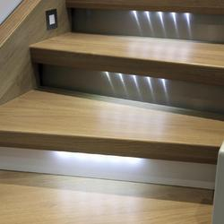 Luminaire le sujet d crypt la loupe page 2 for Eclairage escalier interieur