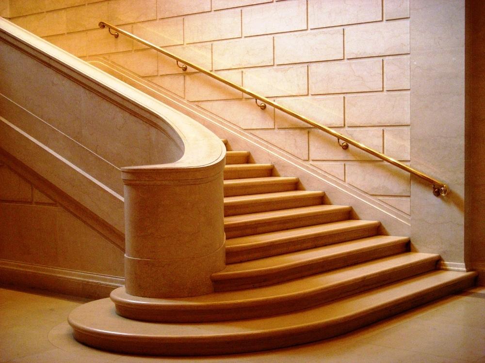 Escalier en marbre types d 39 escalier entretien prix ooreka - Prix d un escalier ...