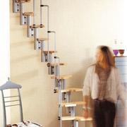 escalier à pas japonais donc les marches sont décallées les unes par rapport aux autres