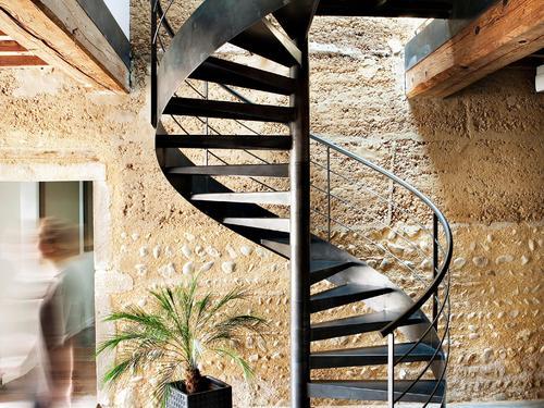 escalier en colima on ooreka. Black Bedroom Furniture Sets. Home Design Ideas