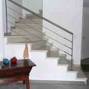 Main courante d escalier installation ooreka - Installation d une rampe d escalier ...