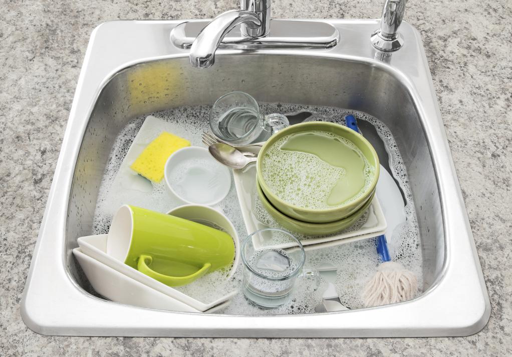 astuce gain de place l vier lave vaisselle. Black Bedroom Furniture Sets. Home Design Ideas