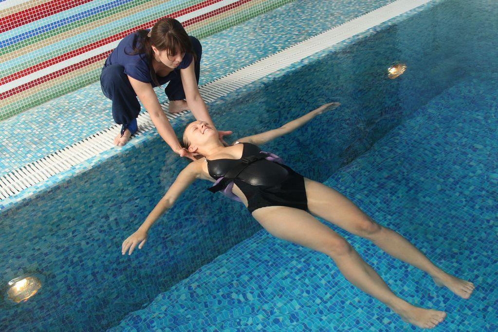 charmant Préparation à lu0027accouchement en piscine