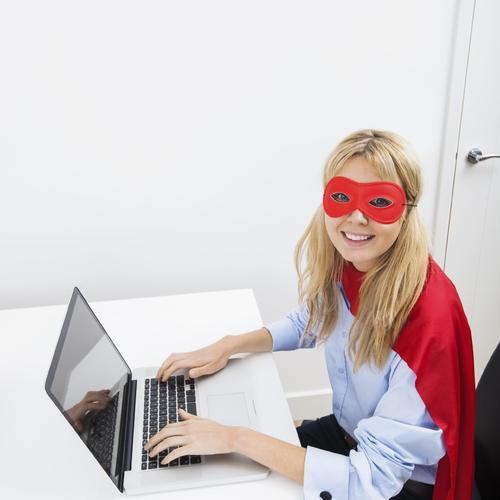 6 astuces pour prot ger son ordinateur ooreka - Comment nettoyer un ecran d ordinateur ...
