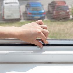Moustiquaire pour fenêtre coulissante