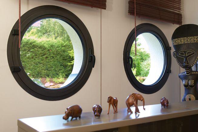 Célèbre Fenêtre ronde : tout savoir sur la fenêtre oeil-de-boeuf - Ooreka VJ96