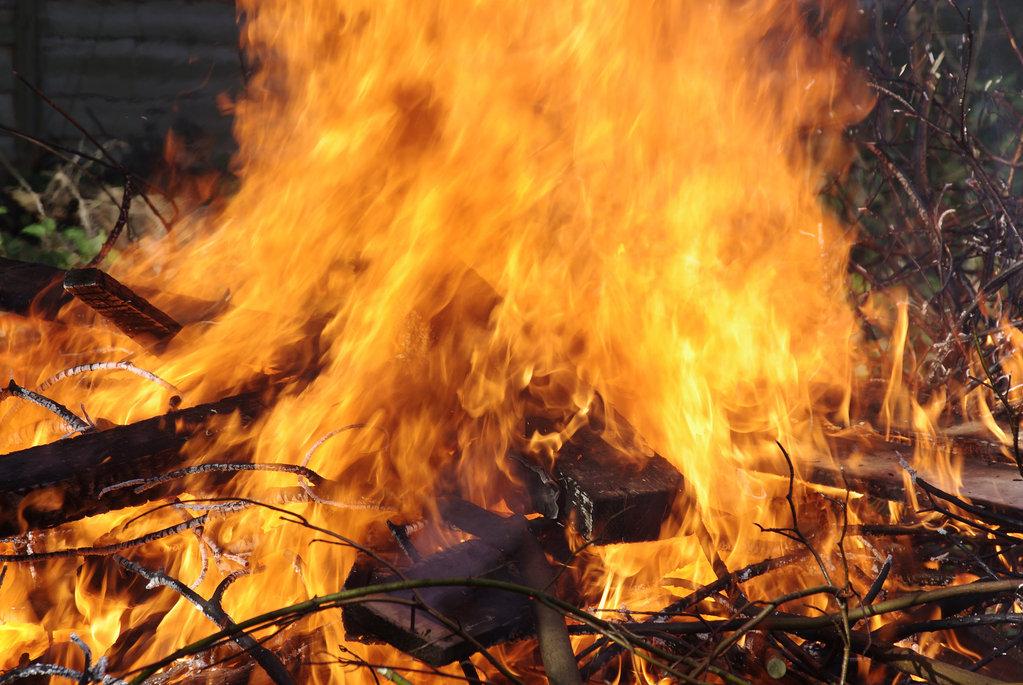 Faire du feu dans son jardin