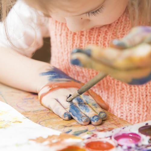 Fabriquer de la peinture comestible pour bébé