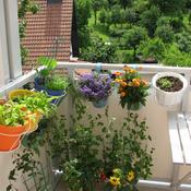 comment am nager un petit balcon. Black Bedroom Furniture Sets. Home Design Ideas