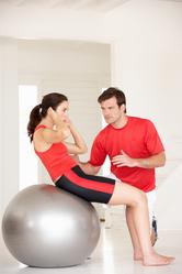 Coach et femme rouge exercices