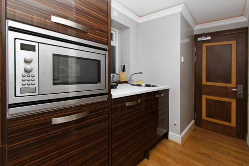 micro ondes int grable crit res de choix et pose ooreka. Black Bedroom Furniture Sets. Home Design Ideas