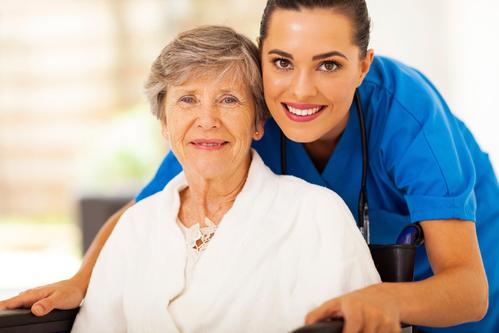 femme retraitée cherche emploi comme garde malade