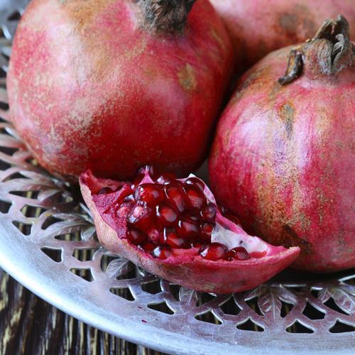 8 fruits cueillir en hiver verger - Le fruit la grenade ...