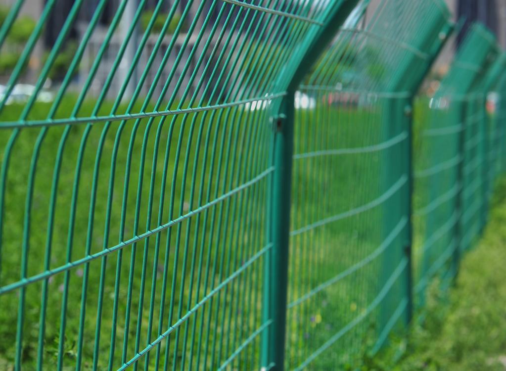 Piquet de clôture : types, installation, prix - Ooreka