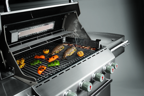Barbecue fumoir pour fumer ses aliments ooreka - Barbecue gaz rotissoire ...
