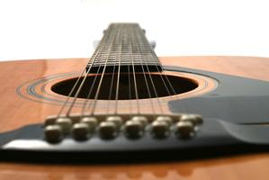 Guitare 12 cordes