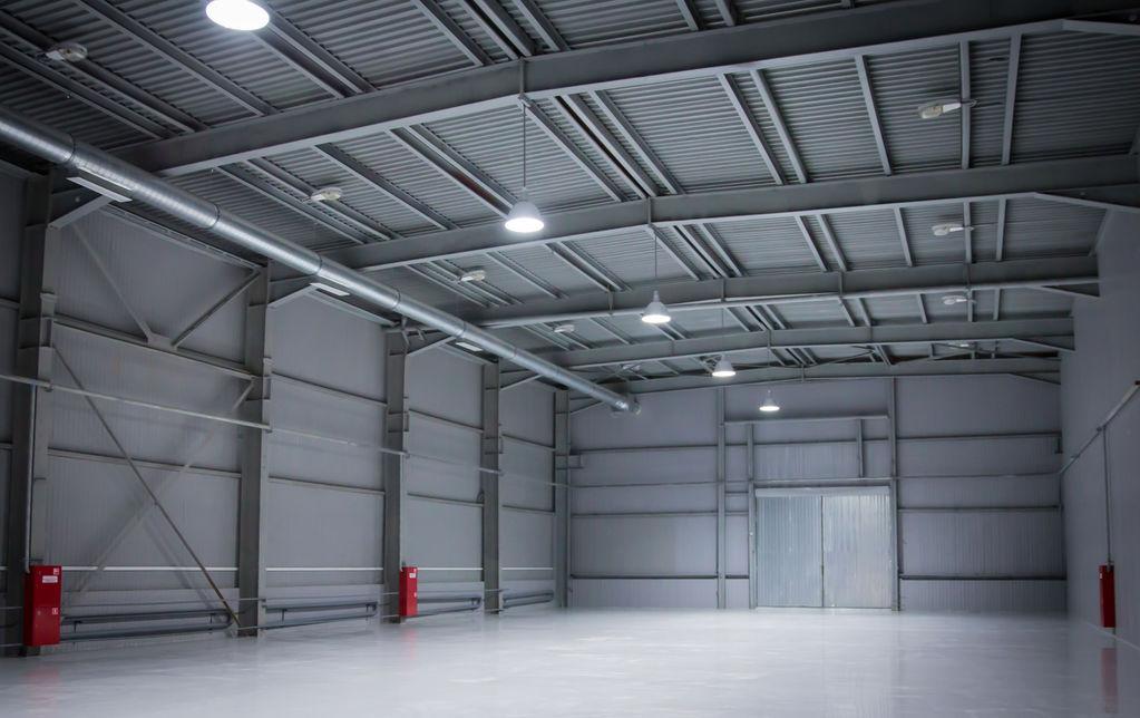 Construire un hangar normes mat riaux prix ooreka - Vide hangar materiel agricole occasion ...