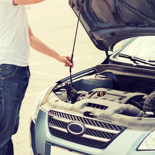 Réussir le changement du filtre à air d'une voiture