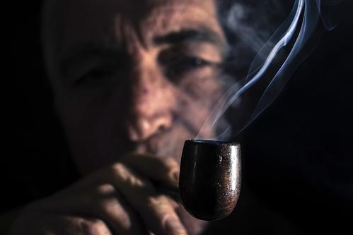 Fumer la pipe fonctionnement et danger ooreka for Pipe a fumer cuisine