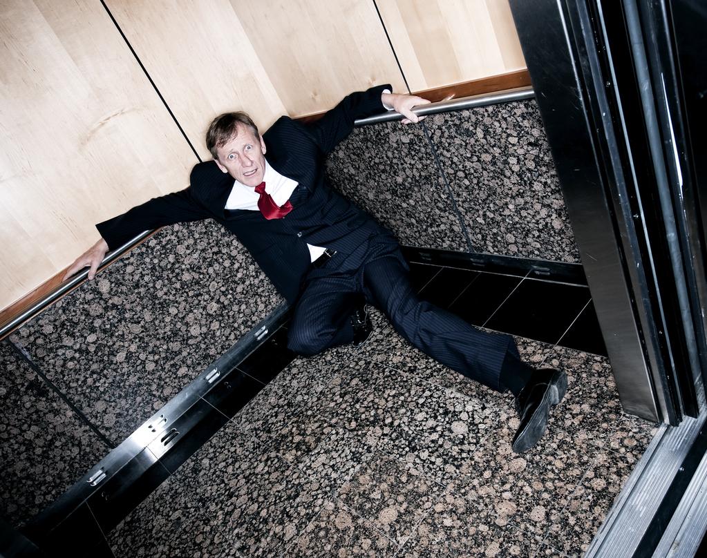 10 façons de surmonter la peur des ascenseurs