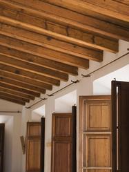 Le plafond fait partie des éléments les plus touchés par l'humidité.