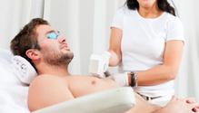 Épilation au laser en institut pour hommes