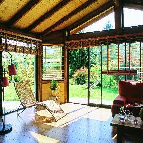 intérieur de véranda en bois