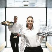 Deux serveurs dans couloir