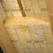 Poser de la laine de verre sous toiture ooreka for Pose laine de verre sous toiture