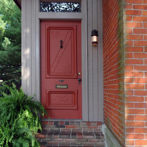 am liorer l isolation de votre porte d entr e ooreka. Black Bedroom Furniture Sets. Home Design Ideas