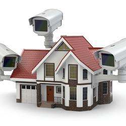 Télésurveillance et alarmes factices pour jouer la dissuasion