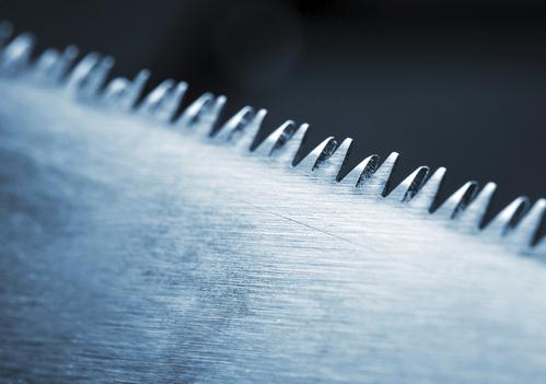 Une lame de scie à ruban