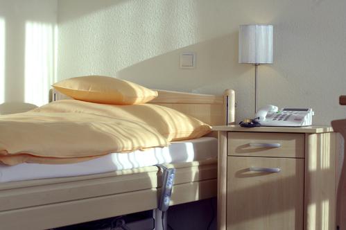 lit m dicalis mod les et prix ooreka. Black Bedroom Furniture Sets. Home Design Ideas