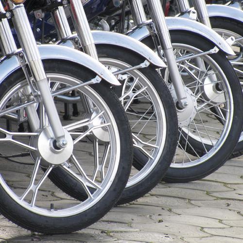 Changer les roulements de roue d'une moto