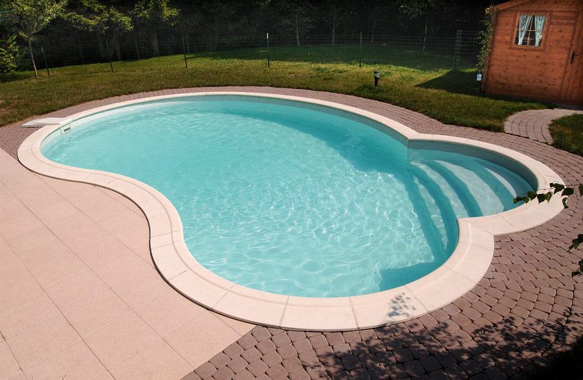 Margelle piscine composite sp cificit s atouts prix for Prix piscine enterree