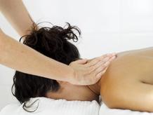 Femme massage dos