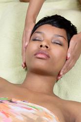 Femme massage tete