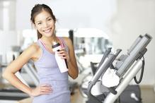 Femme dans salle de gym